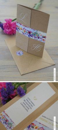 Prachtieg kaart met fleurige bloemen, kraft karton met witte inkt. Zomerse bruiloft